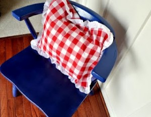 Easy Eyelet and Gingham Pillow