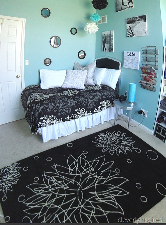 Decorating ideas for girls bedrooms for Black and white and turquoise bedroom ideas