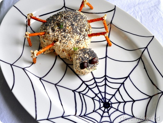 spider cheese ball (halloween appetizer) @cleverlyinspired (5)