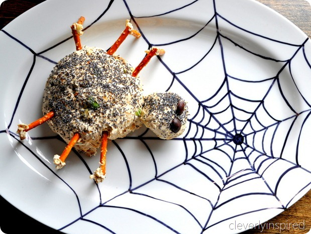 spider cheese ball (halloween appetizer) @cleverlyinspired (7)