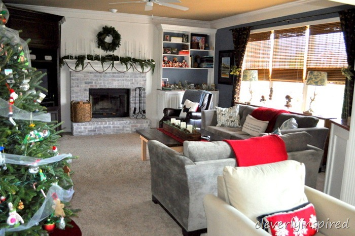christmas mantle 2012 (decorating a holiday mantle) @cleverlyinspired (13)