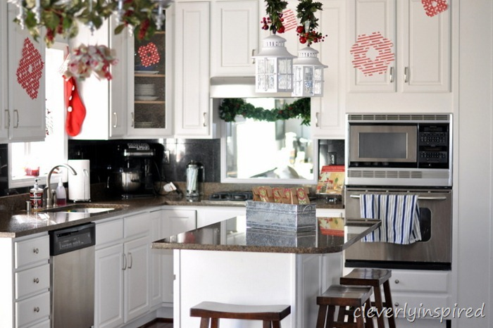 holiday decorating in the kitchen @cleverlyinspired (11)