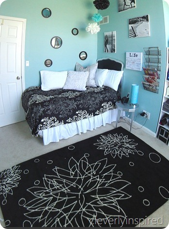 aqua black girls room