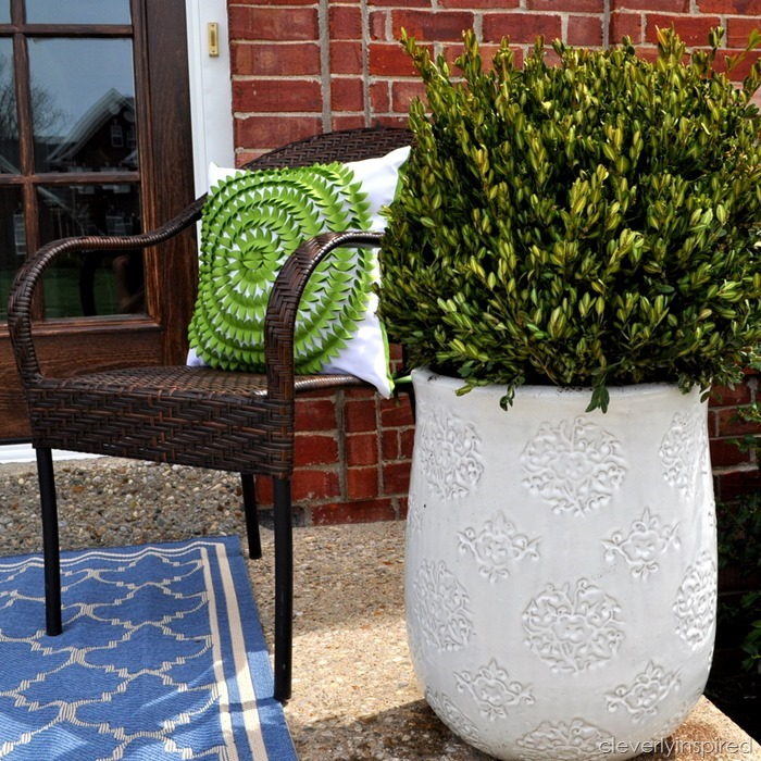 spring porch decor @cleverlyinspired (2)