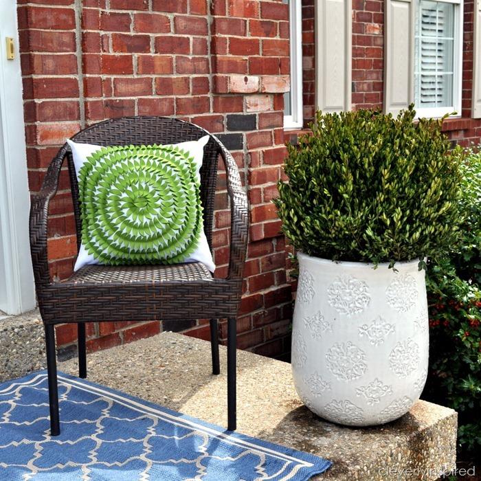 spring porch decor @cleverlyinspired (7)