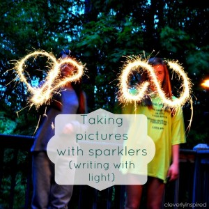 How to take pictures with sparklers (writing with light)