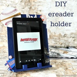 DIY ereader holder (Handmade Father's Day gift)