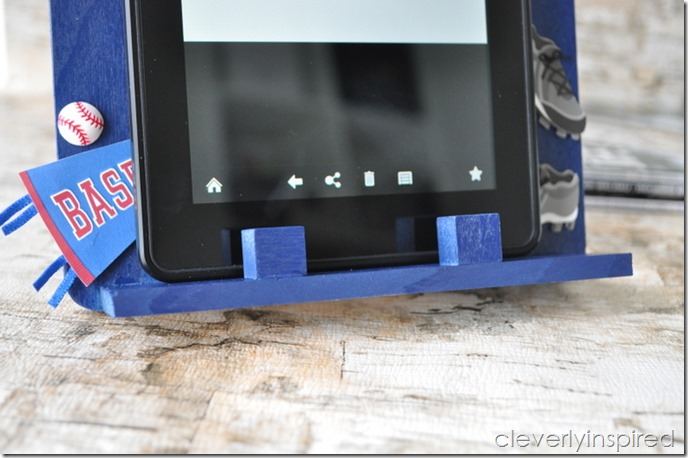 DIY ereader holder @iheartnaptime (5)