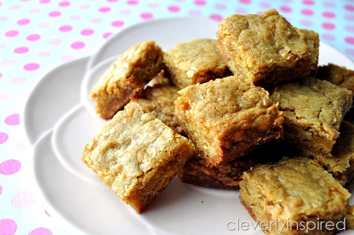 toffee bit blondie bars @cleverlyinspired (3)