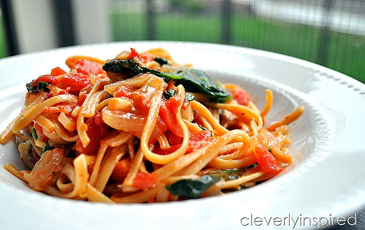 one pot garlic spinach pasta @cleverlyinspired (2)