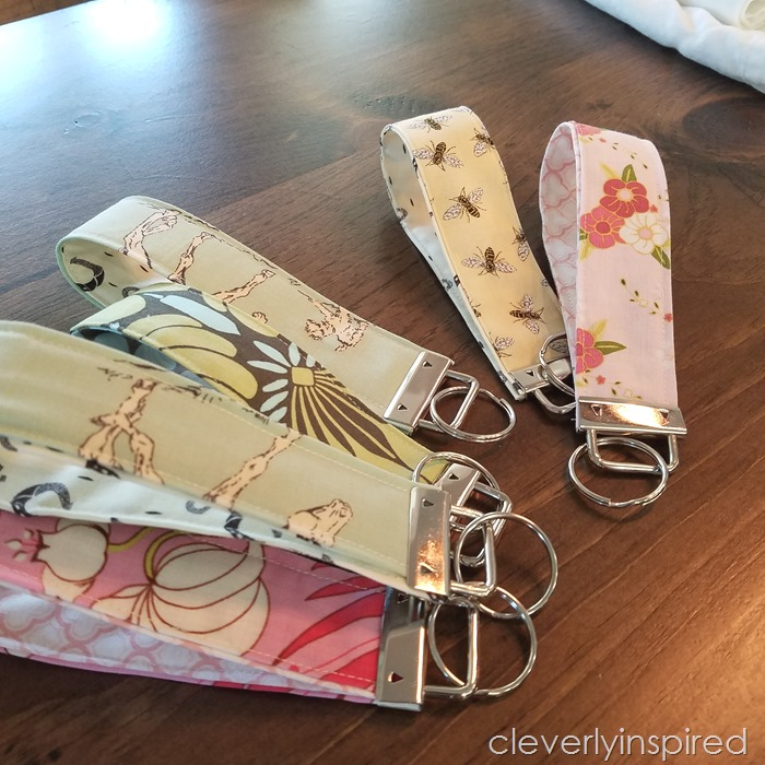 5 minute fabric cuff keychain @cleverlyinspired (3)