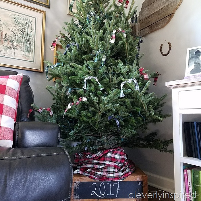 easy plaid christmas tree decor (5)